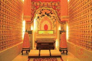Специальная витрина в Буддийском храме Фамэнь