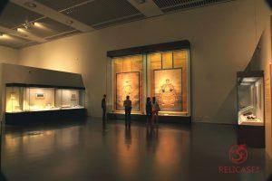 Сверхвысокие пристенные витрины Национального музея Китая