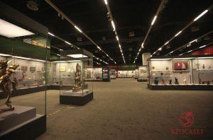 Витрины в Национальном Музее Китая