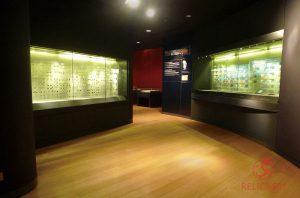 Витрины-ниши в Музее Центробанка Малайзии